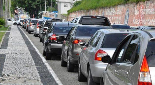 Prefeito de Petrolina assina decreto para regulamentação de aplicativos de transporte