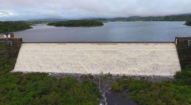 Compesa paralisa abastecimento de água em Caruaru