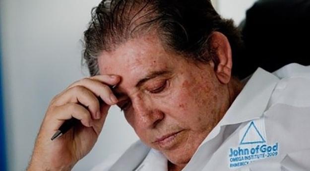 Justiça de Goiás determina prisão do médium João de Deus