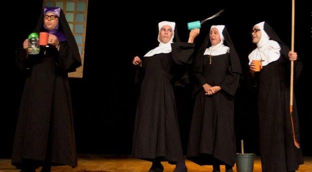 """Peça """"Deu a louca no convento"""" é apresentada em Caruaru"""