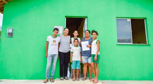Mais de 20 casas são entregues na zona rural de Caruaru