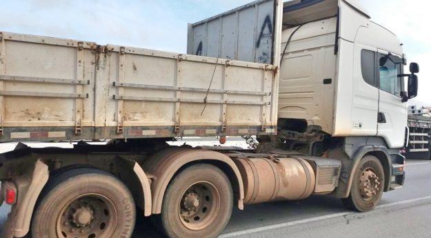 Motorista de caminhão passa mal e morre na BR-232