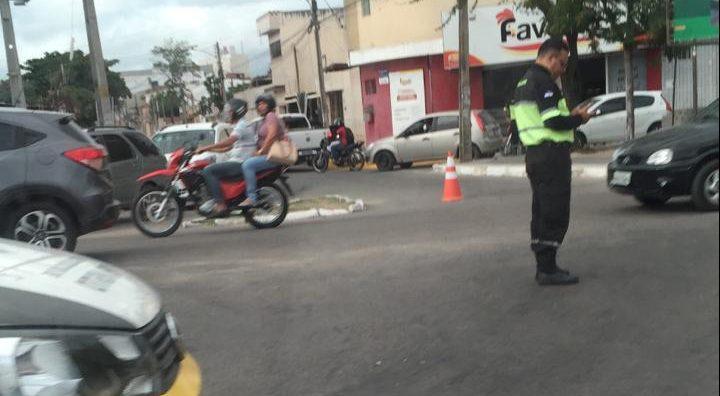 Rua Macaparana agora é via de mão única no bairro Boa Vista