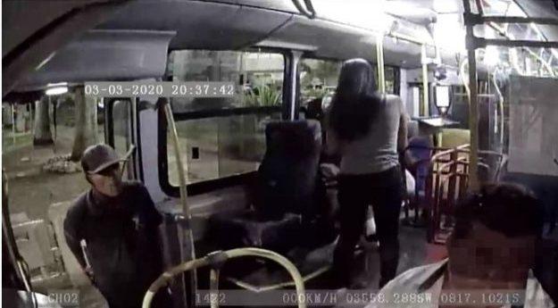 Ônibus é assaltado no centro de Caruaru