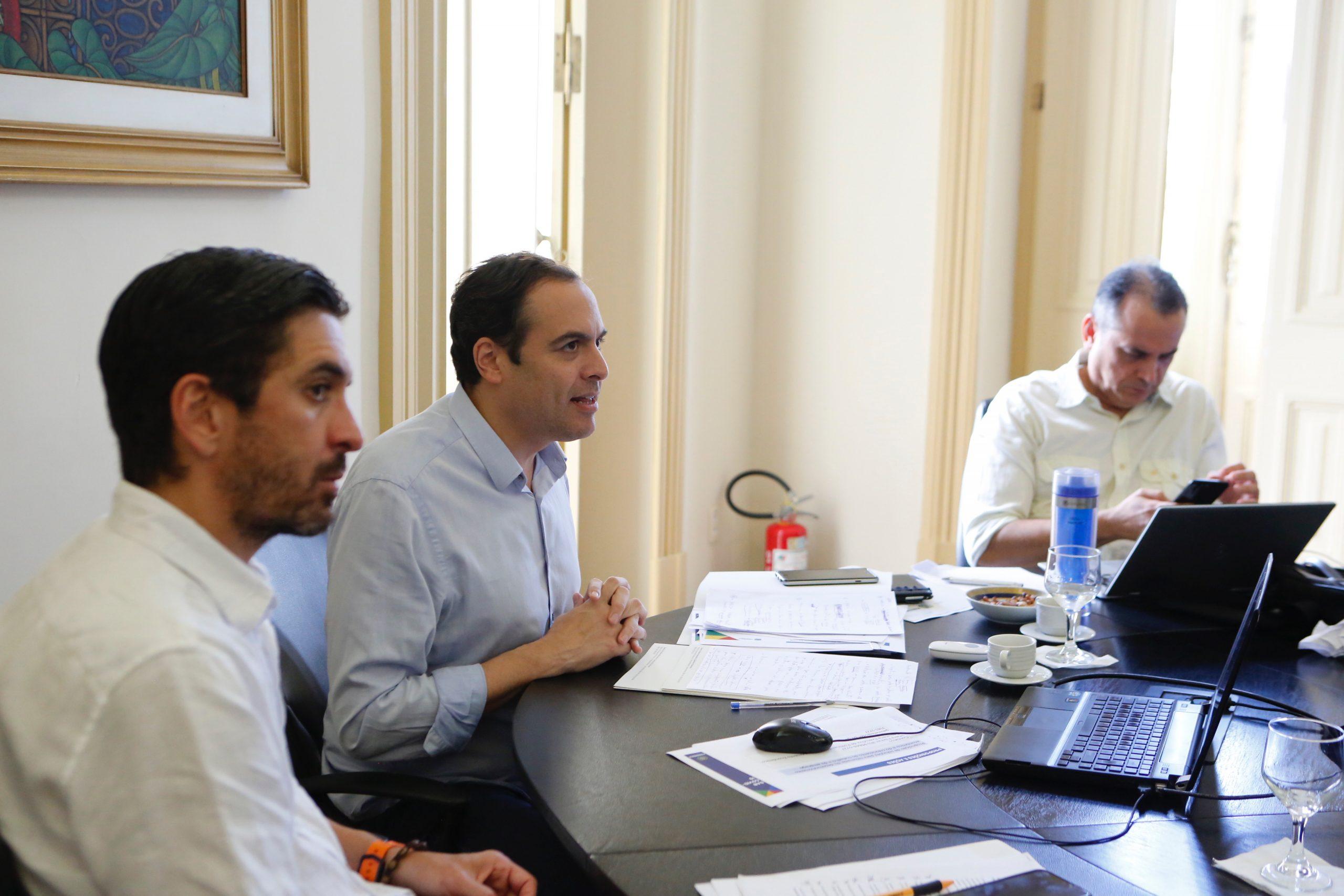 Governador Paulo Câmara reúne-se com entidades empresariais para enfrentamento aos danos da Covid-19 na economia