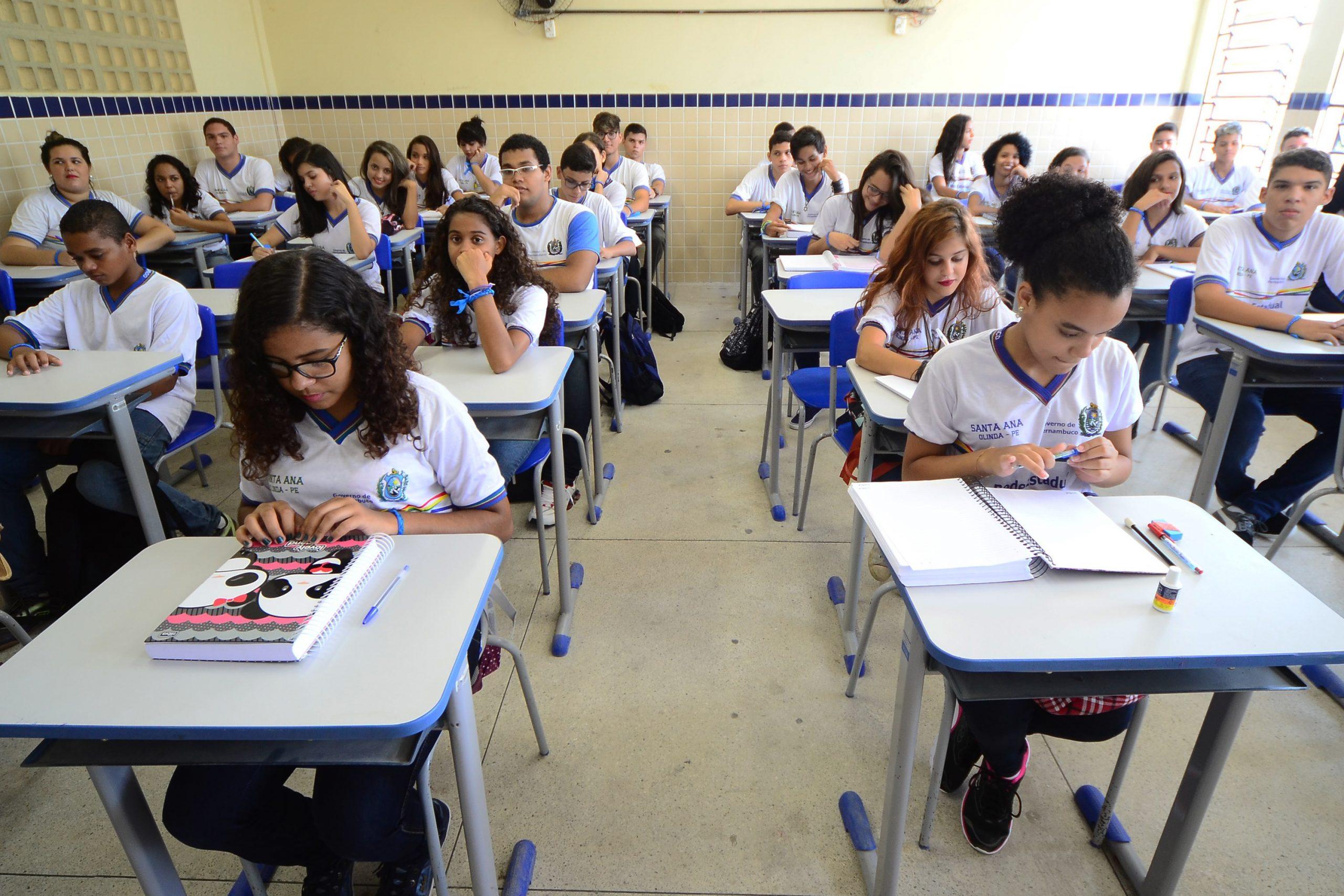 Aulas presenciais para educação infantil e ensino fundamental continuarão suspensas em PE até 31 de outubro