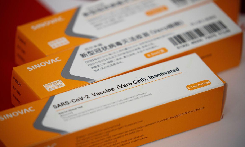 Covid-19: Butantan recebe insumos para 8,6 milhões de doses da vacina