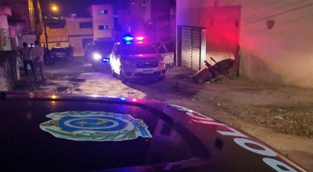 Homem esfaqueia companheira grávida de nove meses em Caruaru
