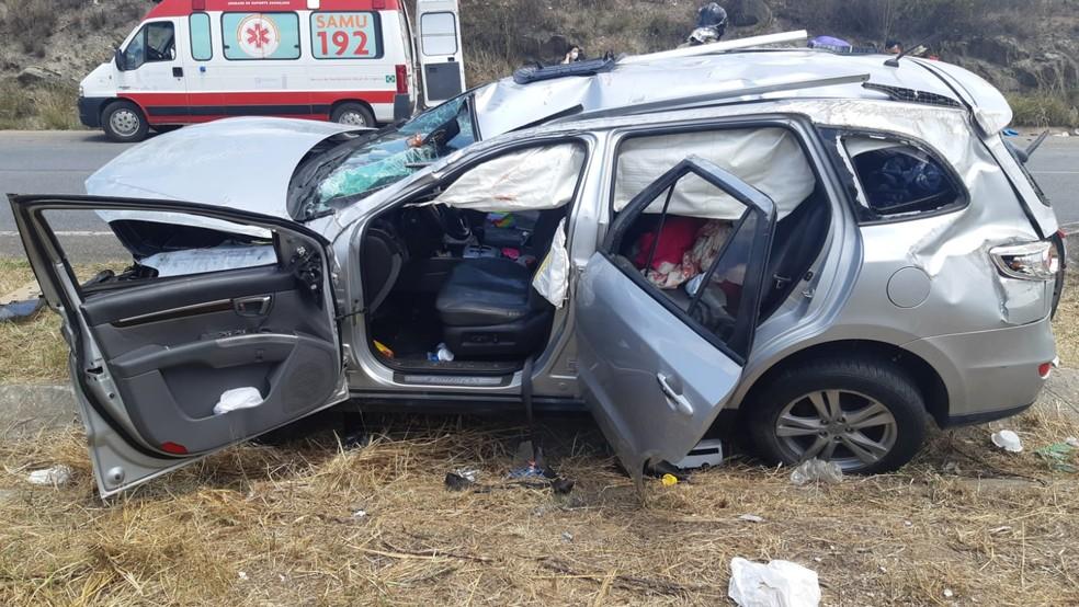 Acidente deixa cinco pessoas feridas na BR-232